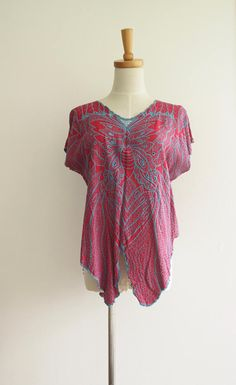 80s butterfly top. 80s red blue boxy top. Bali cut work