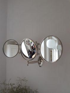 Tredelt veggspeil fra Brot med baklys, ca 1930 Icon Design, Furniture Design, Icons, Mirror, Retro, Vintage, Home Decor, Decoration Home, Room Decor