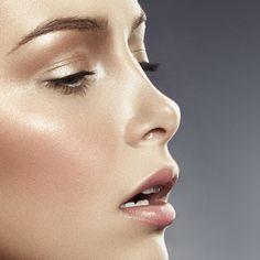 Makeup Hacks Online – Hair and beauty tips, tricks and tutorials Luminous Makeup, Sunkissed Skin, Makeup Is Life, Hair Again, Making Faces, Love Your Hair, Professional Makeup Artist, Makeup For Beginners, Bride Makeup