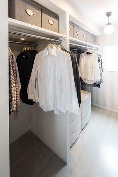 Wardrobe Storage, Wardrobe Closet, Room Closet, Walk In Closet, Muji Storage, Room Interior, Interior Design, Closet Designs, Japanese House