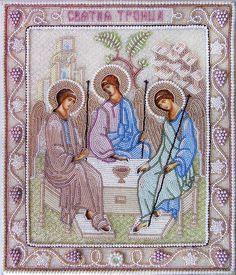 Икона Пресвятой Троицы вышитая бисером и жемчугом