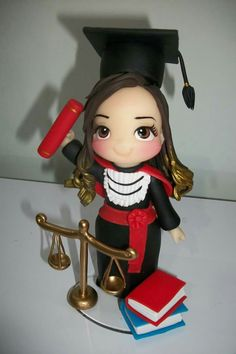 Me gustaría graduarme con buenas calificaciones Pasta Flexible, Polymer Clay Charms, Clay Dolls, Cold Porcelain, Cute Cakes, Paper Quilling, Themed Cakes, Clay Art, Cake Toppers
