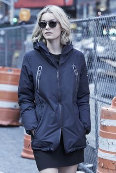 LIVORNO XTREM DOWN JACKET WOMAN DEEP NAVY. Winter parka for women in deep navy with hood made with recycled nylon from ECOALF