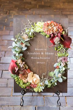 Wedding signs help elevate your theme, colors, and the mood of the party! Wedding Wreaths, Wedding Flowers, Wedding Images, Wedding Designs, Flower Decorations, Wedding Decorations, Seating Chart Wedding, Wedding Signage, Wedding Welcome