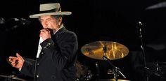 Bob Dylan, la estatua de un dios con cabeza