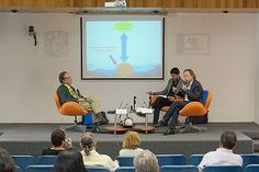 Conferencia: Complejidad y Prospectiva, Dr. Rafael Pérez-Taylor, Dr. Felipe Lara y Lic. Eric Aguilar Aguilar. Seminario: Visiones sobre Mediación Tecnológica en Educación, 13 de junio de 2016.