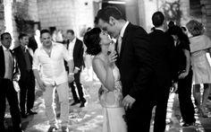 #matrimonio #wedding #weddingpuglia #ricevimento #weddingmasseria #lafesta #iballi #ilbacio #applausi #reportage #allegria #happines #visstudio #weddingpuglia #grottaglie #francavillafontana #MasseriaTriticum #bn #bw #biancoenero