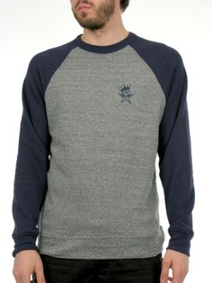 Medium weight lofty fleece crew neck with binded neck and colour blocked raglan sleeves.