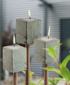 Best 10 Perfect Cement Vases Make For Interesting Centerpiece Ideas 28 – SkillOfKing. Cement Art, Concrete Cement, Concrete Furniture, Concrete Crafts, Concrete Projects, Concrete Design, Concrete Planters, Home Crafts, Easy Crafts