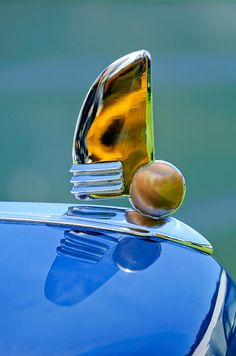 1942 Lincoln Continental Cabriolet Hood Ornament - Jill Reger - Photographic prints for sale
