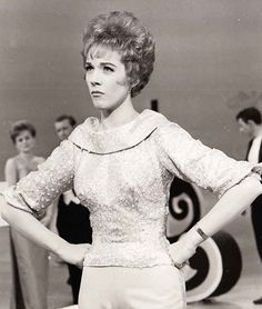 1961 Julie Andrews on The Ed Sullivan Show tribute to Lerner and Loweve