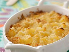 Pineapple crumble: discover the cooking recipes of Femme Actuelle Le MAG Healthy Chicken Recipes, Easy Healthy Recipes, Easy Meals, Cooking Recipes, Healthy Food, Paleo Dessert, Dessert Recipes, Grilling Gifts, Food Hacks