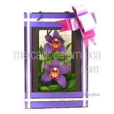 orquideas-moradas-en-bolsa-de-madera