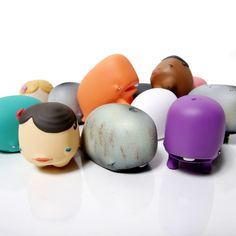 I. WANT. THESE!!!!! Munko (the whale) vinyl toys by Dave Choe. I die.