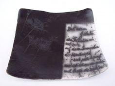 Sommersturm, Gefäß für Gedanken aus Naked Raku Keramik mit Text von Hildegard Schemehl / Poem vessel made in naked raku technique
