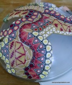 Free tutorial - how to make a polymer clay bowl from cane slices and prevent it from sticking!