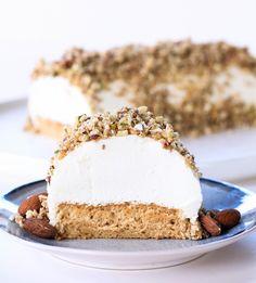 TARTA DE YOGUR GRIEGO, FRUTOS SECOS Y MIEL Cupcakes, Cupcake Cakes, Sweet Recipes, Snack Recipes, Healthy Recipes, Brunch, Creative Desserts, Gluten Free Treats, Baking And Pastry