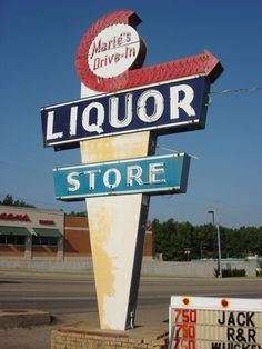 Googie Sign - Marie's Drive-In Liquor Store - Paragould, AR Image