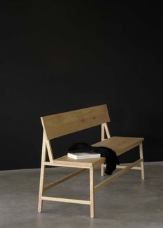 This is an oak bench by Ethnicraft. It has a minimalistic design and can be used in various ways. Pop down to our showroom in Amersham to view the product. Simple Furniture, Classic Furniture, Custom Furniture, Wood Furniture, Modern Furniture, Furniture Design, Chaise Diy, Diy Chair, Dining Room Furniture
