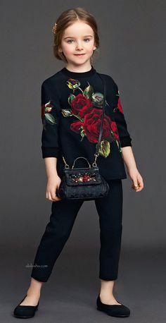ALALOSHA: VOGUE ENFANTS: Maxi red roses: Dolce&Gabbana's IT dress for little girls