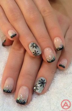 Here is a tutorial for an interesting Christmas nail art Silver glitter on a white background – a very elegant idea to welcome Christmas with style Decoration in a light garland for your Christmas nails Materials and tools needed: base… Continue Reading → Christmas Nail Art Designs, New Nail Designs, Winter Nail Designs, Winter Nail Art, Xmas Nails, Holiday Nails, Christmas Nails Glitter, French Nails, French Manicures