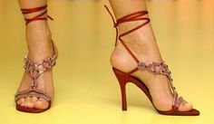 The most expensive shoes ever made: Stuart Weitzman ruby slippers USD million - gorgeous Stilettos, Stiletto Heels, High Heels, Crazy Shoes, New Shoes, Me Too Shoes, Stuart Weitzman, Princesa Indiana, Most Expensive Shoes