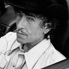Joan Baez and Bob Dylan photographed by Daniel Kramer, 1965 ...