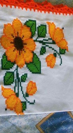 Cross Stitch Designs, Cross Stitch Patterns, Cross Stitching, Cross Stitch Embroidery, Christmas Cross, Crochet Hats, Lily, Salad, Chicken