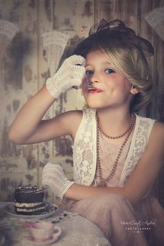 cake, vintage, lace gloves