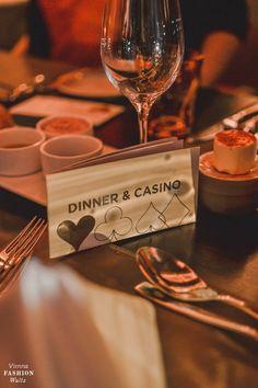 Sister's Night im Casino Graz Einarmiger Bandit, Restaurant, Vienna, Place Cards, Sisters, Place Card Holders, Night, Box, Graz