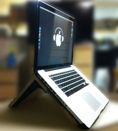LuvBuzd — build a great wooden laptop stand for $9