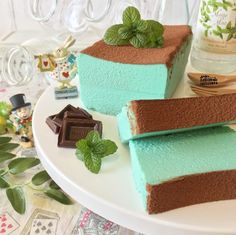 Delicious Desserts, Yummy Food, Sweet Box, Different Cakes, Aesthetic Food, Mint Chocolate, Something Sweet, Japanese Snacks, Food Design