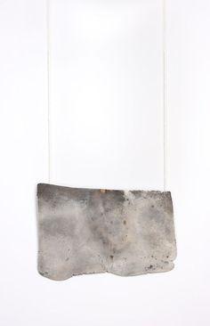 Isabell Dammermann. Thesaurus-Series. Pendant; 12 x 7,5 x 0,6 cm; Silver, cotton