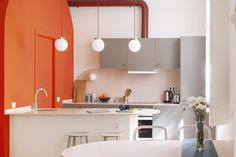 This Modern Barcelona Apartment's Color Palette Is Everything: gallery image 11