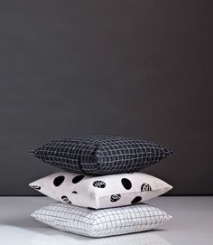 The Design Chaser: Monday Mix Up   Monochrome Loves