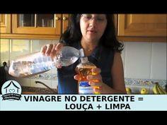 Oi pessoal! Hoje o Donas de Casa Anônimas apresenta uma dica muito útil para donas de casa. A Renata nos ensina que colocar vinagre de álcool no detergente r...