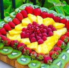 Fruit platter snack?  We could make this one!