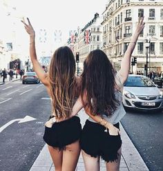 Youth fashion ღ: Photo # youth fashion - Bff Pictures Best Friends Shoot, Best Friend Poses, Cute Friends, Cute Friend Pictures, Friend Photos, Shooting Photo Amis, Poses Pour Photoshoot, Bff Images, Friend Tumblr