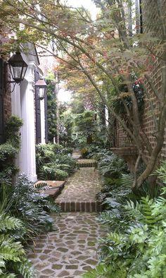 95 Beautiful Side Yard Garden Pathway Design Ideas – Famous Last Words Beautiful Gardens, Beautiful Homes, Beautiful Places, House Beautiful, Beautiful Pictures, Garden Paths, Garden Landscaping, Walkway Garden, Garden Hedges