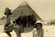 Fru Karlenborg | by ART NAHPRO. The Great Pyramid in 1946.