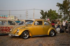 VW Bug with sprint stars, nice, clean, restored http://www.classiccult.com/blog/siam-vw-festival-2014.html