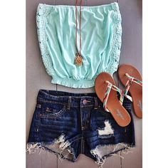 Such a cute outfit for summer