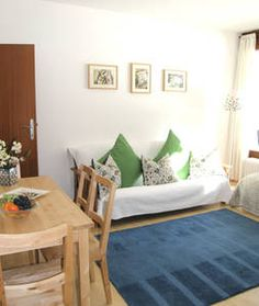 Apartment KrippView Obertraun Located in the village of Obertraun in the Salzkammergut region, Haus Dachstein offers a south-facing balcony with mountain views in each spacious apartment. Entryway Bench, Dining Bench, Hotel Austria, Travel Hotel, Hotels, Perfect Place, Condo, Toddler Bed, Vacation