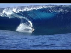 Big wave tow in Surfing