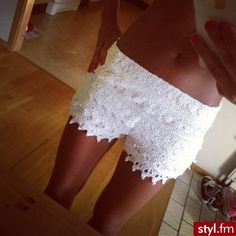 Lace shorts<3 these look so fricken comfortable. I want a pair.