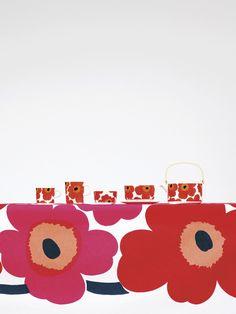 Unikko fabric, pattern design by Maija Isola for Marimekko, and Unikko tableware, pattern design by Maija Isola, product design by Sami Ruotsalainen for Marimekko. Scandinavian Interior Design, Nordic Design, Scandinavian Style, Marimekko Fabric, Poppy Pattern, Palette, Fabric Patterns, Floral Patterns, Timeless Design