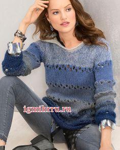 Мохеровый пуловер в широкую полоску и с капюшоном. Вязание спицами