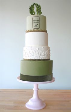 Love the simplicity of this green cake