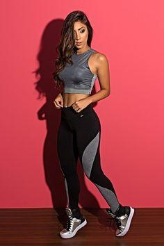 Womens Workout Outfits, Sporty Outfits, Fashion Outfits, Fitness Outfits, Workout Attire, Workout Wear, Grey Sports Leggings, Fitness Wear Women, Estilo Fitness