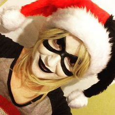 I look totally psychotic in this photo and I love it!! Orders open tomorrow for these Harley Quinn Santa hats super limited so check my previous post about them and make sure you get notifications when they go on sale if you want one! Any questions etc DM or comment below! They'll all be posted next week in time to wear at Christmas parties etc! Or Christmas Harley shoots!!!! Or on Christmas Day cos Harley is bae.. #harleyquinn #santa #christmas #christmaspresent #dccomics #dccosplay…